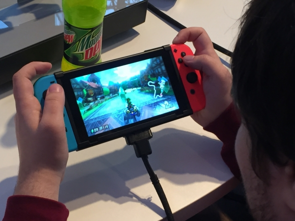 nintendo-switch-handheld2